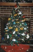 Our tree with multicolored origami models is very beautiful in reallife.